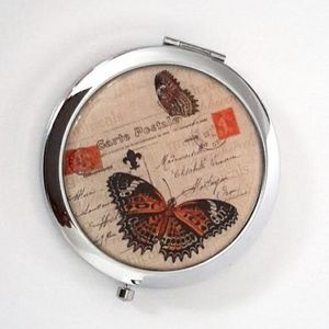 Magnified Graphic Compact ~ Butterfly Double